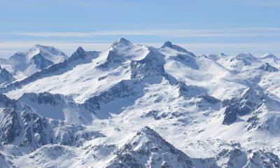 Vue du Pic du Midi de Bigorre sur les Pyrénées