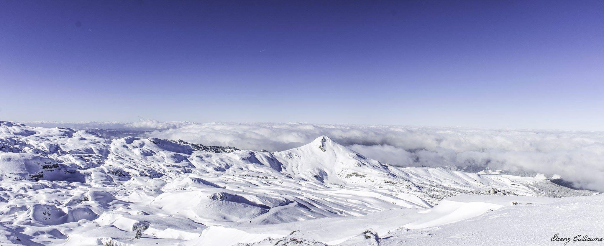 """Vue depuis la piste panoramique """"Boulevard des Pyrénées"""", à la Pierre Saint-Martin"""