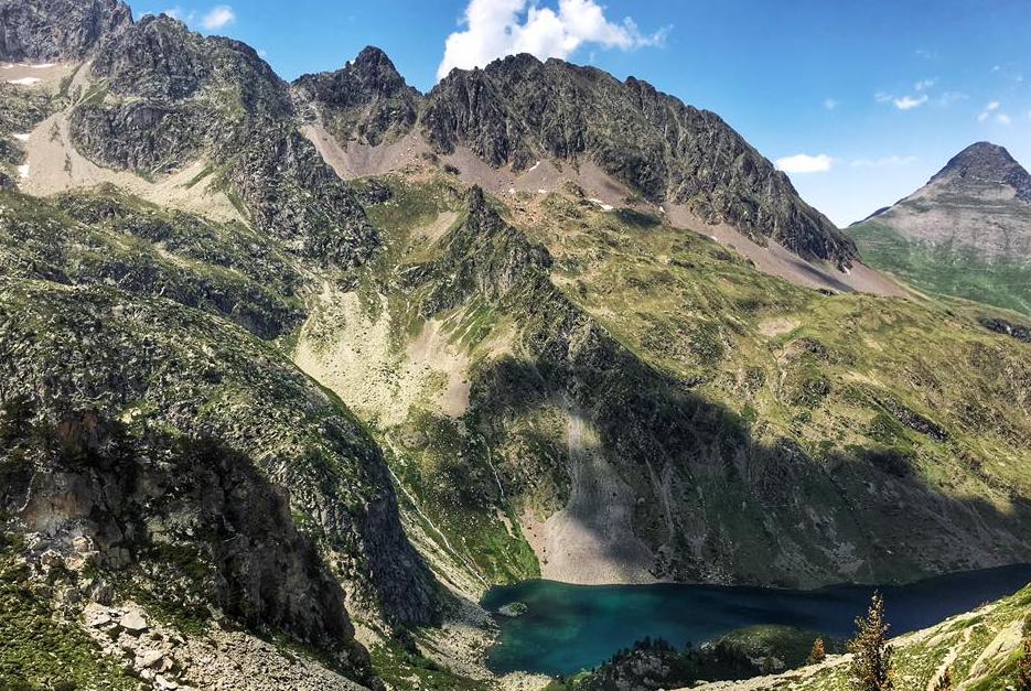 Lac des Pyrénées au col de la haugade à Cauterets - Pyrénées (Photo Sean Carroll)