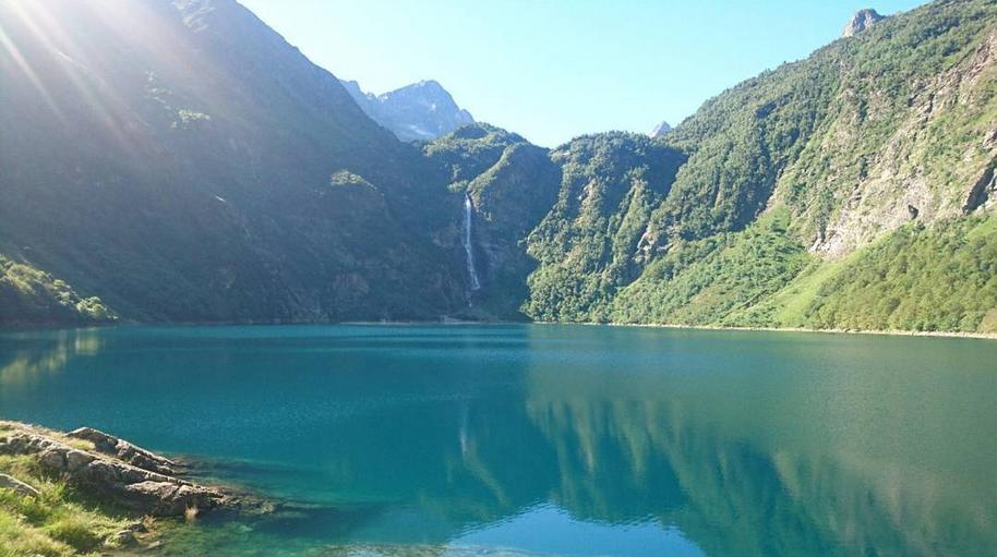 Le Lac d'Oô - Pyrénées - Crédit Photo : emy_raynald sur instagram