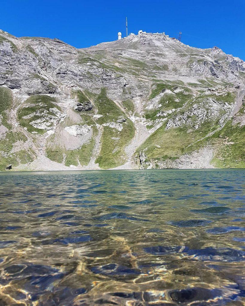 Le Lac d'Oncet au pied du Pic du Midi de Bigorre - Grand Tourmalet - Pyrénées - Crédit Photo : carcan6587 sur instagram