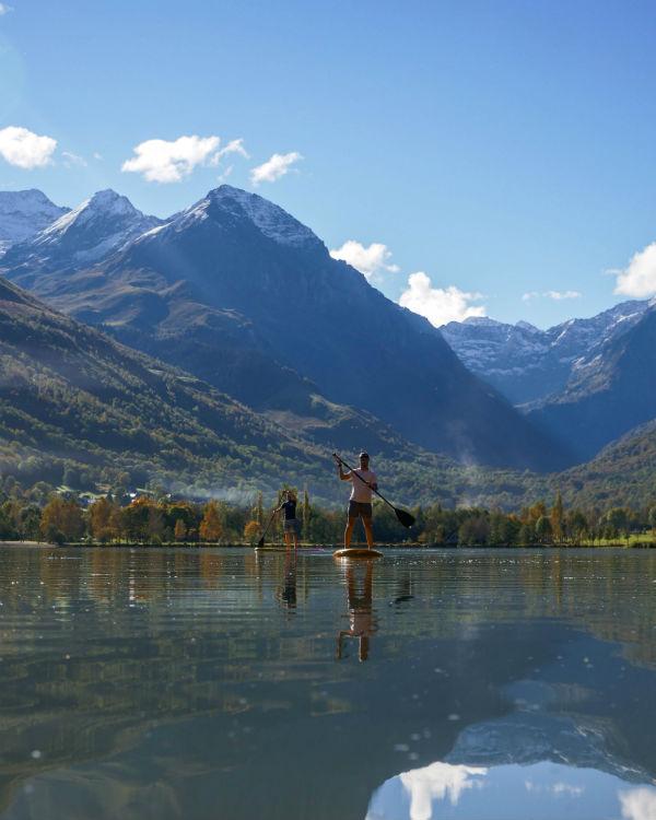 Stand Up Paddle sur le lac de Génos-Loudenvielle - Activités Pyrénées