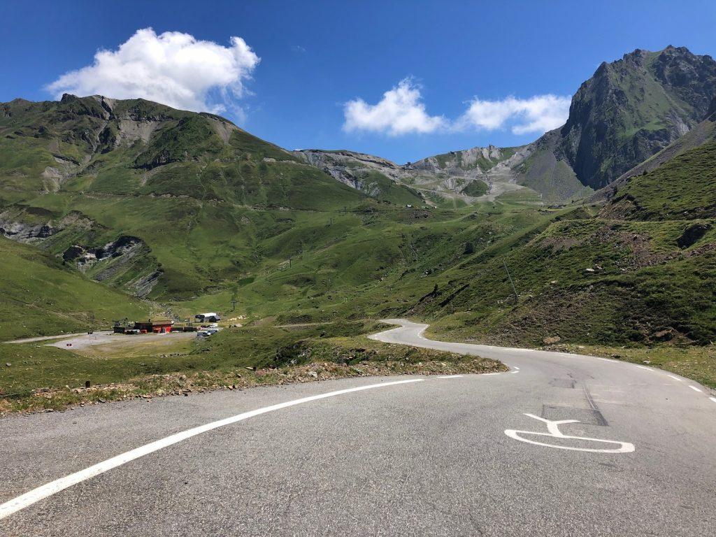 Virage de la voie Laurent Fignon - Étape Tour de France Tarbes-Barèges